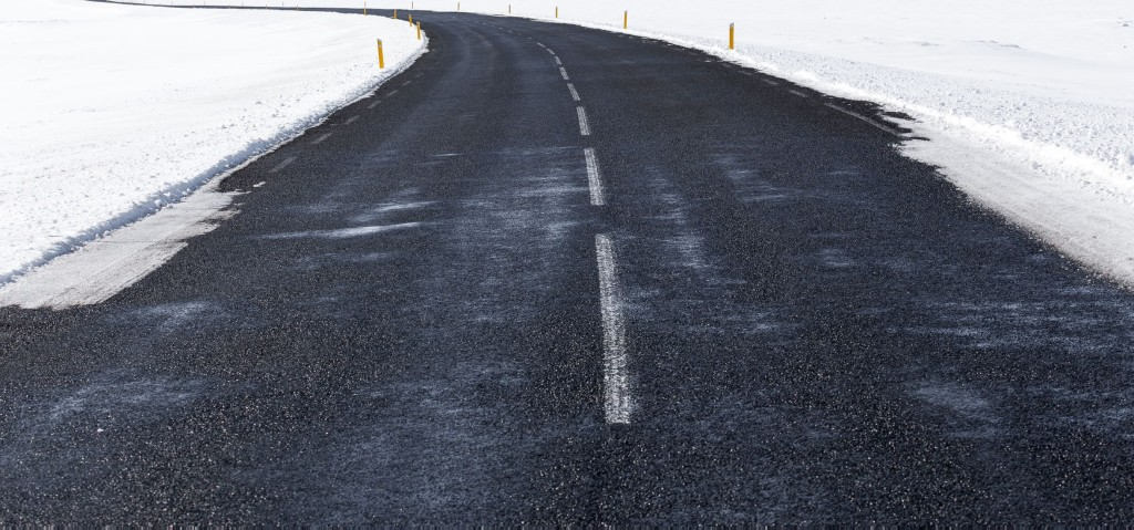 Photo of winter road by Jon Ottosson